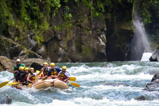 natural_mystic_travel_pacuare_rafting