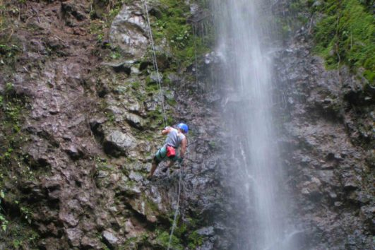 natural_mystic_travel_canyoning